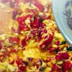 Рецепта пърженица с чушки и яйца