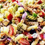 Гръцка салата с макарони