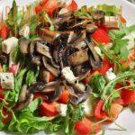 Маринована гъбена салата със зеленчуци