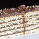 Класическа бисквитена торта