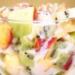 Плодова салата с кисело мляко