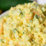 Яйчена салата със сирене