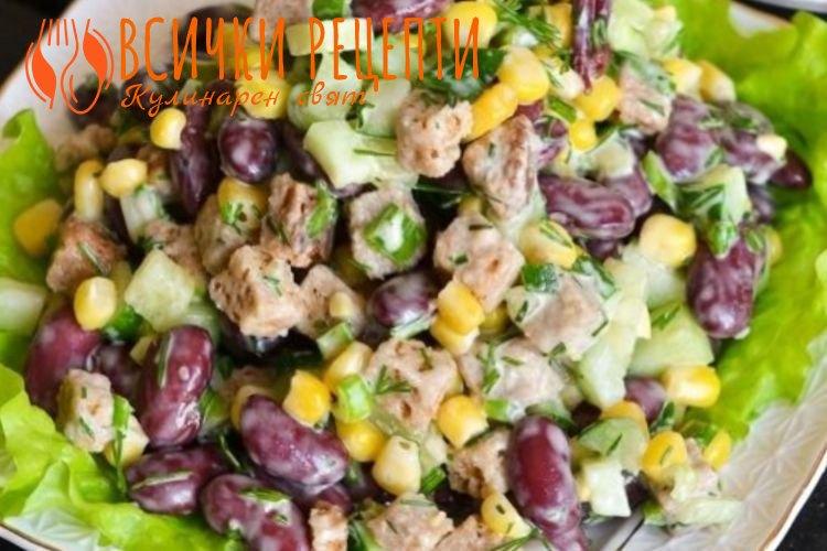 Зелена салата с ролца от раци и царевица