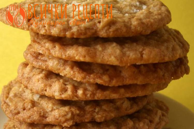 Хрупкави бисквити с овесени ядки