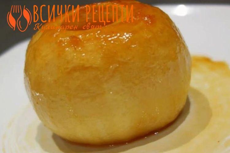 Лесен десерт с ябълки