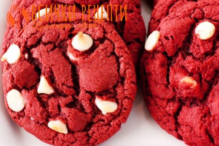 Напукани сладки червено кадифе