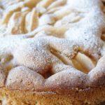 Сладкиш с круши и бисквити