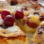 Сладкиш с вишни и извара