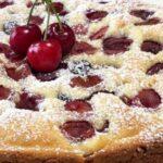 Сладкиш с вишни и кисело мляко
