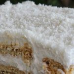 Торта Рафаело с бисквити