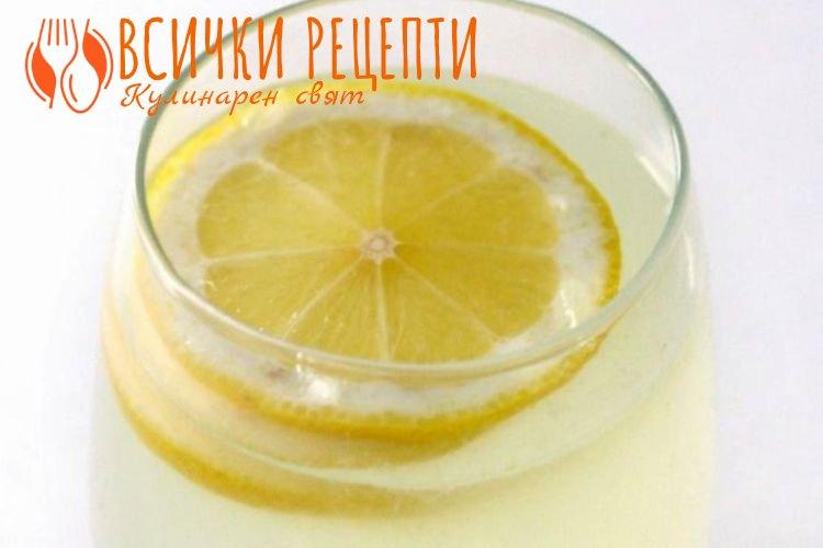 Домашна лимонада с лимони