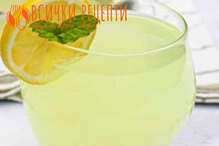Домашна лимонада с мед и мента