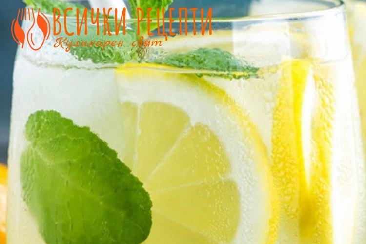 Домашна лимонада с мента и лимон