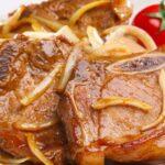 Свинско месо с лук