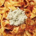 Талиатели с доматен сос