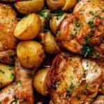 Ястие с пилешко месо и картофи
